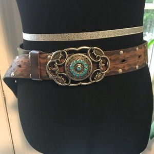 Buckle brown leather belt
